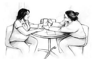 Drawing of a female dietitian and a pregnant woman sitting at a table. The dietitian is holding a booklet and pointing with a pencil to something in the booklet. The pregnant woman is looking at the booklet.